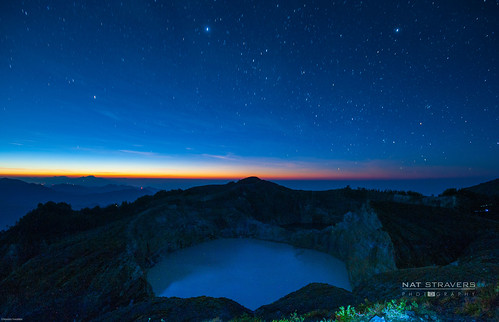 92sec at Kelimutu before sunrise by Nathalie Stravers