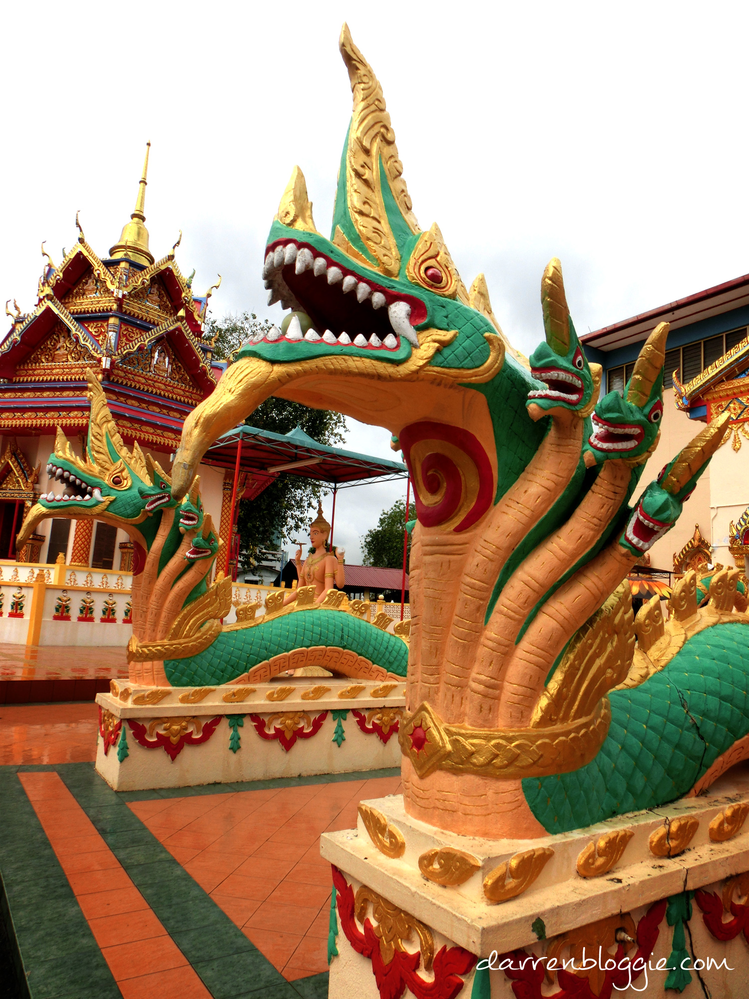 3D2N in Penang : Half Day Tour in Penang to Temples, War Museum & Penang Hill darrenbloggie