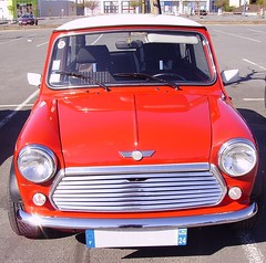 Mini rouge - Photo of Le Change