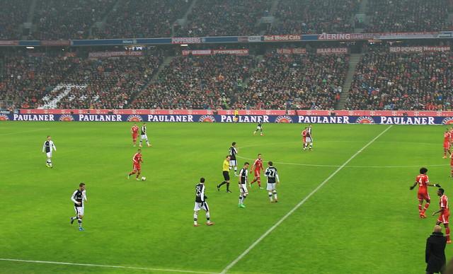 Munich Adidas Fußball FC Bayern München Eintracht Frankfurt lisforlois