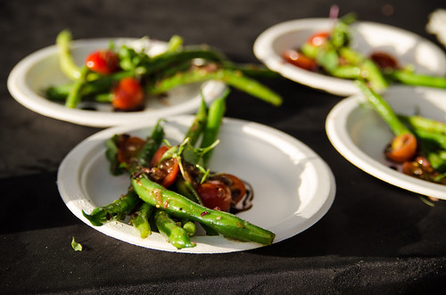 17.37_dining_Grow-some-good-TasteGreenBeans_by-Peter-Liu