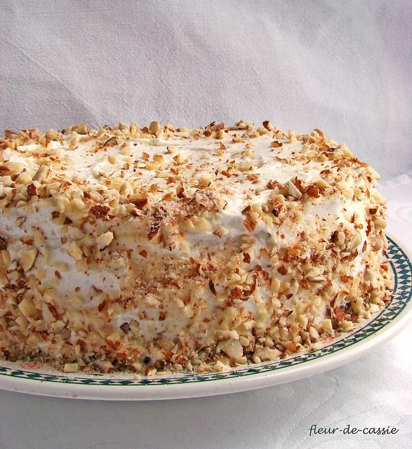 торт миндальный с брусникой 1
