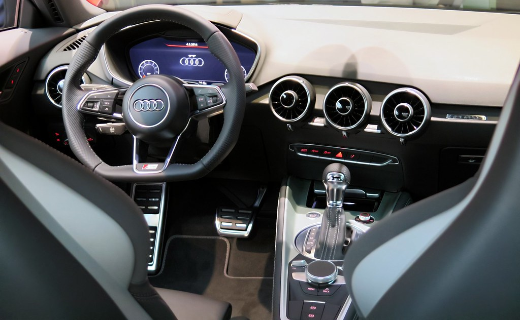 Flickr photos tagged virtualcockpit picssr for Interieur audi tt