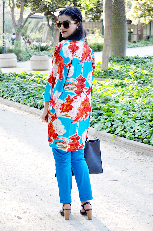 kimono fashion oriental asiatic blogger fashion somethingfashion, valencia blue outfit fblogger, new york chinatown kimonofashion lady blue trousers