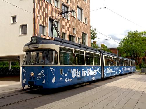Die Ois-is-Blues-Tram war schon heute im Einsatz, allerdings noch ohne Musik: Auf der Linie 22