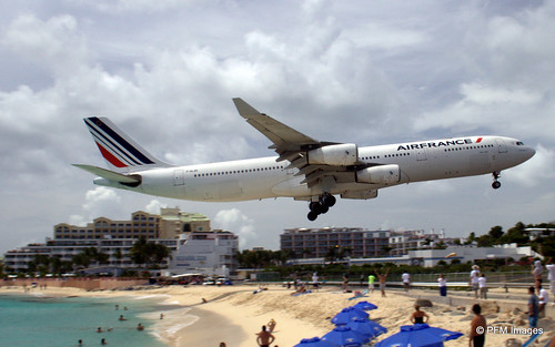 sky france beach water st clouds airplane sand martin air jet sint runway maho maarten sunsetbeachbar
