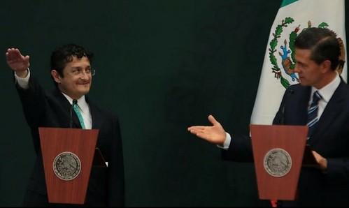Pide Peña Nieto investigar origen de casas de Lomas y Malinalco