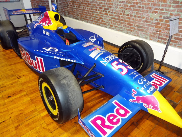 red-bull-race-car auto museum nashville