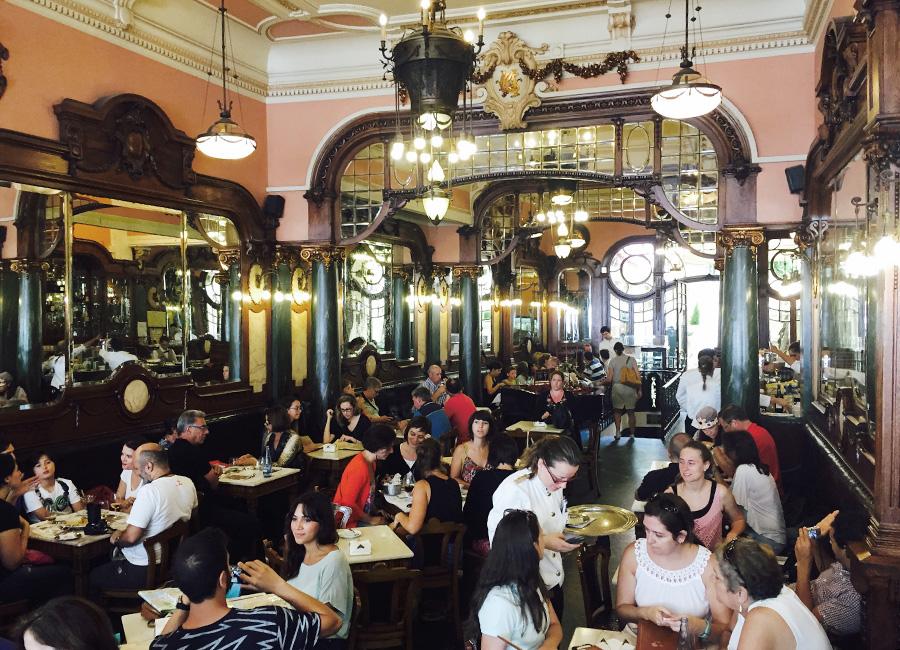 Mitä tehdä Portossa Majestic Cafe