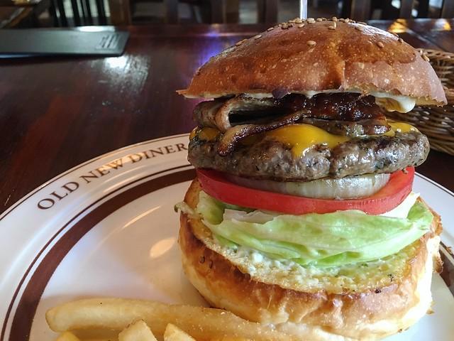 感動!圧倒的な美味さ!幸せのハンバーガー〜OLD NEW DINER(立川)〜