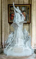 Le grand monument de Bossuet
