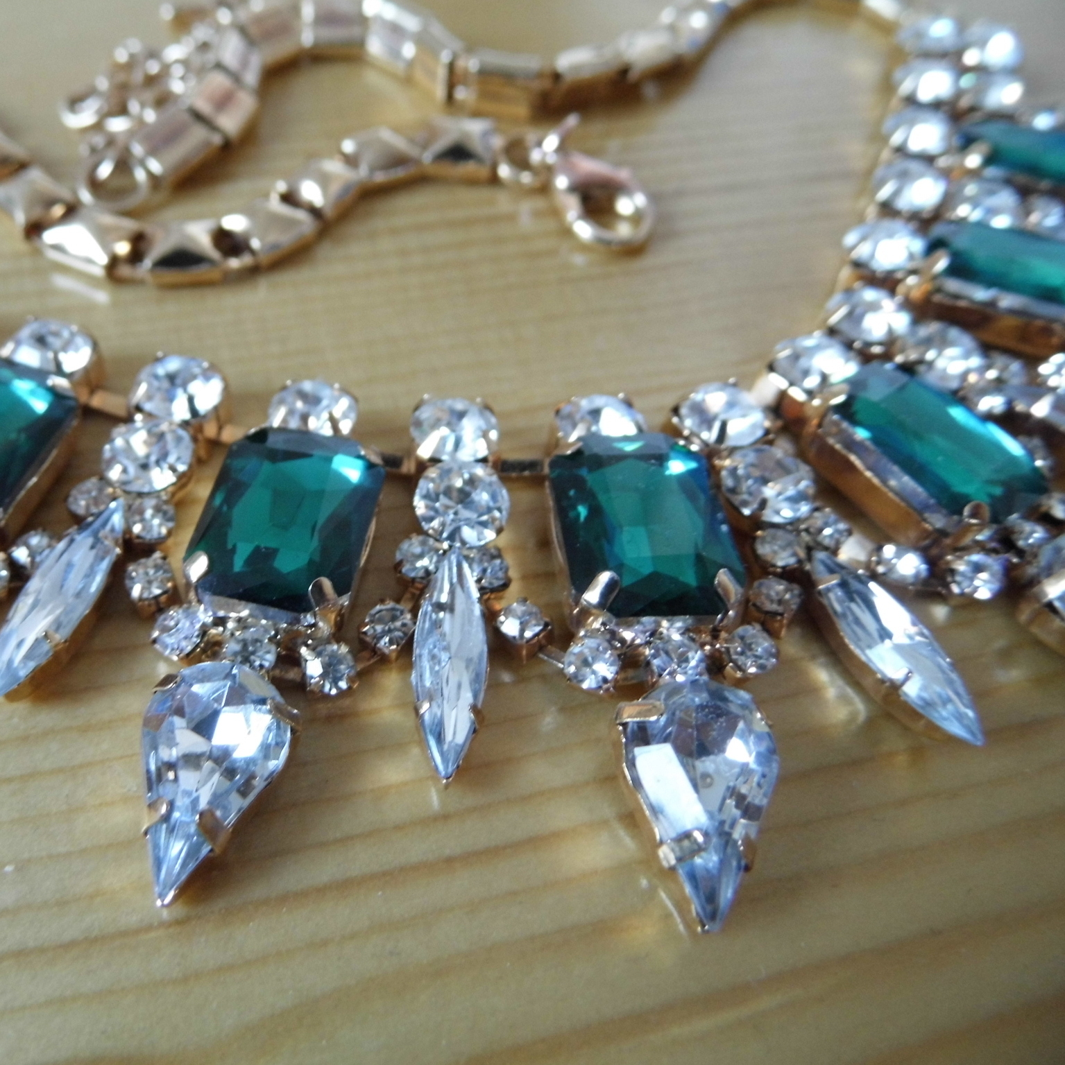 Green Jewelled Necklace