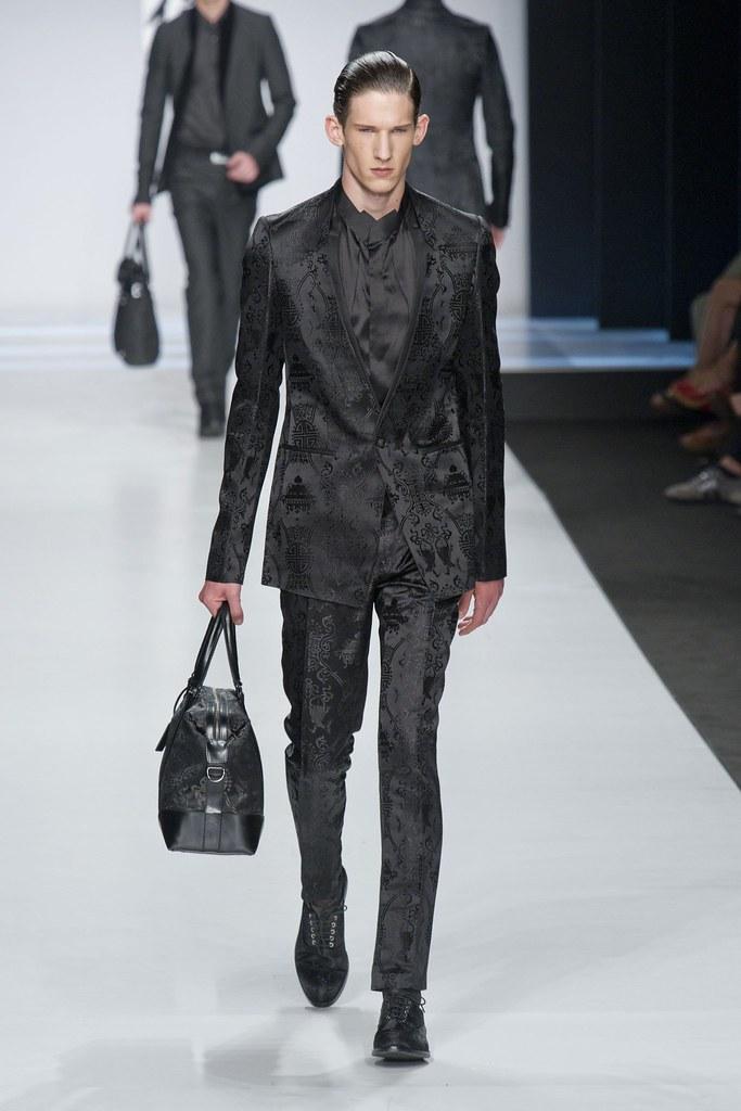 SS14 Milan Ji Wenbo047_Botond Cseke(fashionising.com)