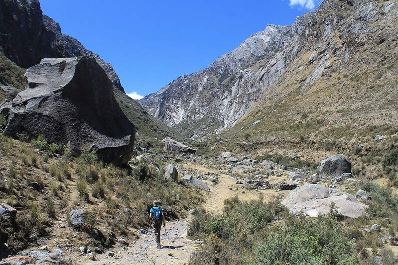 Big boulders in Quebrada Shallap!