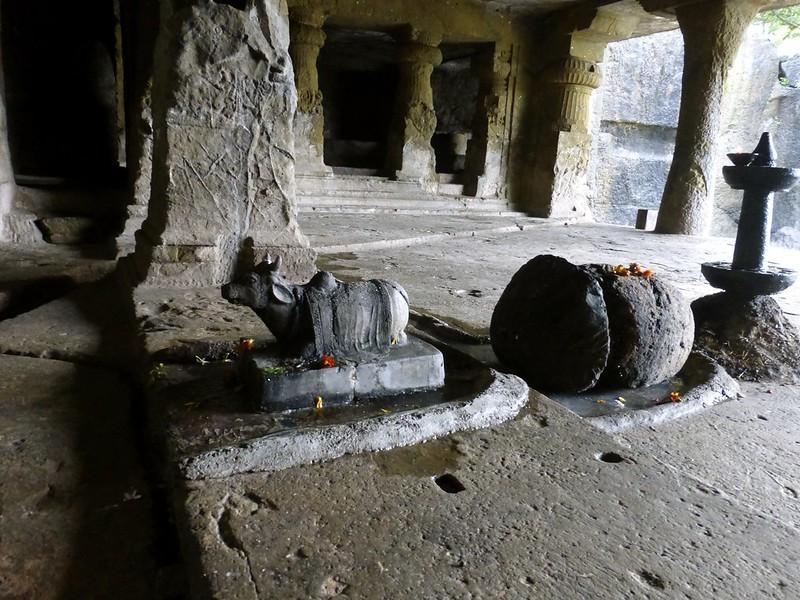 Mandapeshwar Caves - Nandi