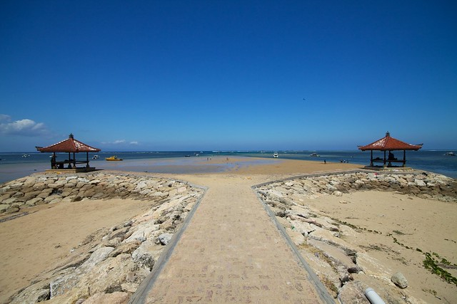 Bali 119 - Sanur - Beach symmertry