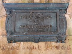 Photo of Henry Fielding and Sarah Fielding bronze plaque