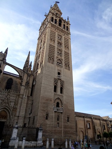 Sevilla, Giralda (minaret of a mosque which is now used as belltower of the cathedral)