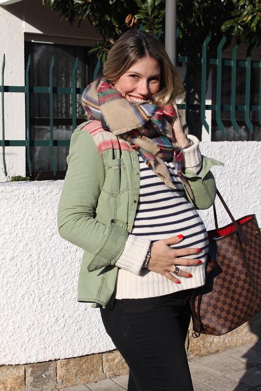 look embarazada en invierno_pantalones_zara_botas_biker_it_shoes_bufanda_cuadros_zara_jersey_rayas_embarazada_23_semanas_tercer_trimestre_street_style6