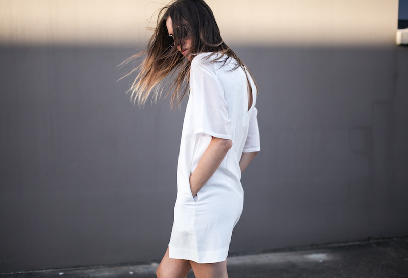 modern legacy fashion style blogger australia LIUK linen shift dress slide sandals celine summer street style (3 of 3)