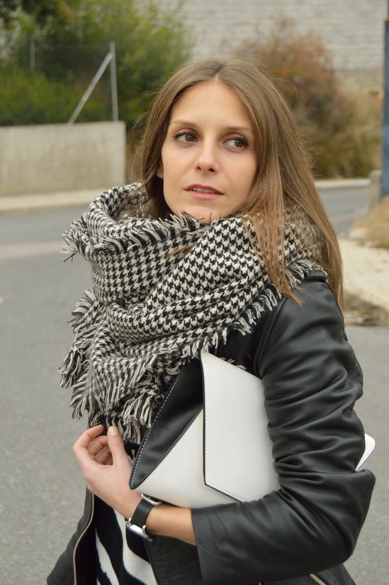 lara-vazquez-madlula-streetstyle-fashion-blogger-black-outfit-casul-look