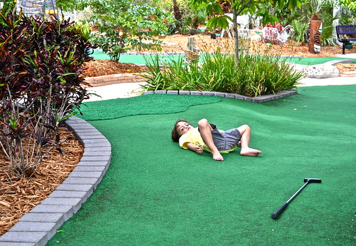 Mini Golf - Putt N Around, South Florida - chilling out