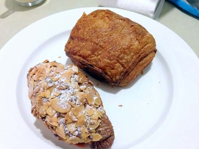 Les Deux Garcons, Taman Desa - go for great French croissants & cakes-011