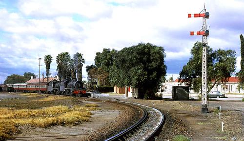 southafrica sas sar easterncape narrowgauge 482 graaffreinet doubleheader schmalspurbahn 19b southafricanrailways voieetroite capegauge 36gauge southafricansteam mosselbayexpress