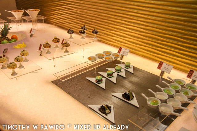 Philippines - Manila - Dusit Thani - Club Lounge - Cute canapes