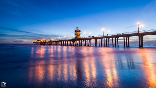 california usa reflection clouds landscape pier waves dusk bluesky bluehour orangecounty huntingtonbeach citylight surfcity
