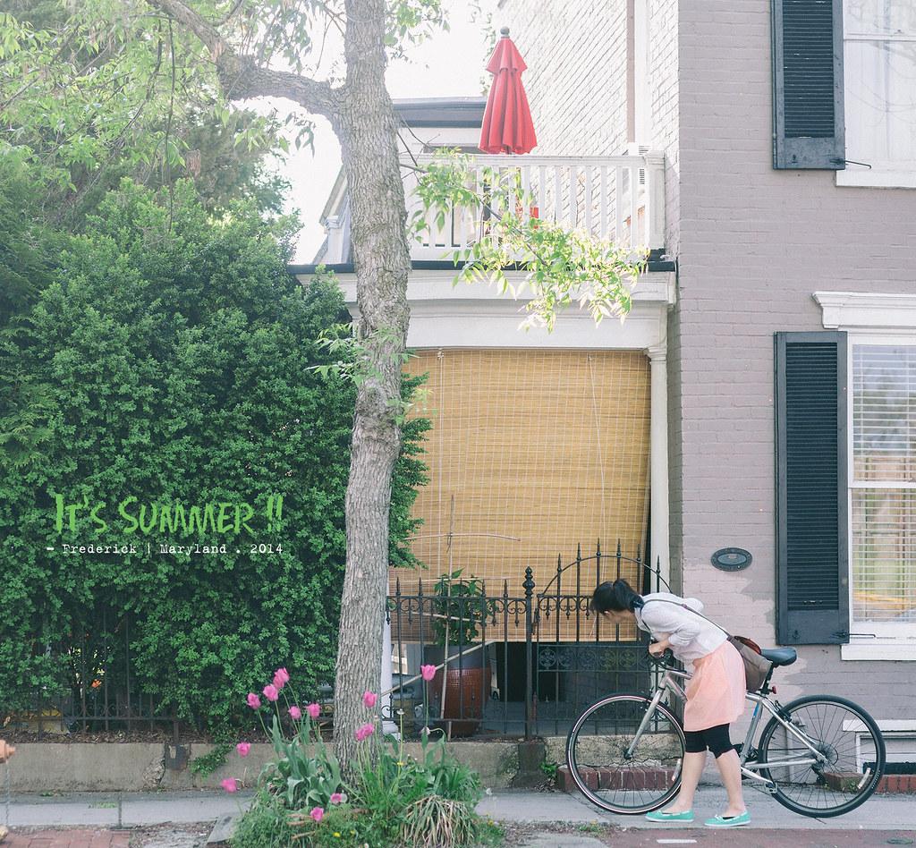 和女王周末在附近踏自行車逛逛