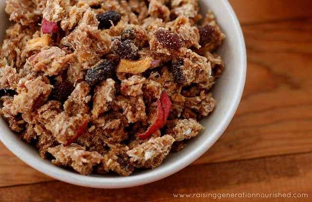 Simple Cinnamon Granola :: Gluten & Refined Sugar Free