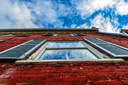 sky west virginia looking upwards