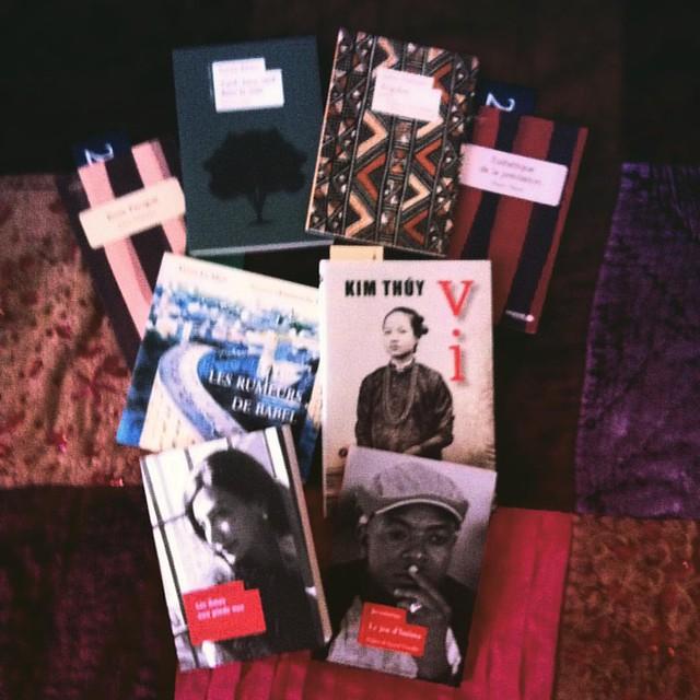 Salon du livre #etonnantsvoyageurs Quand les bonnes résolutions s'envolent : t'avais une liste de quatre livres, tu ressors avec huit...