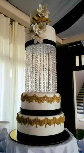 Mennelle Bermudez's Jaw Dropping Wedding Cake