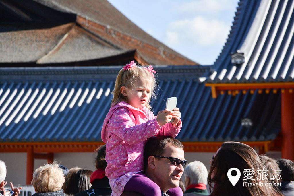 《京都赏枫景点》京都御所无料导览活动:限定日期公开,记得事前上网预约免费参观行程。