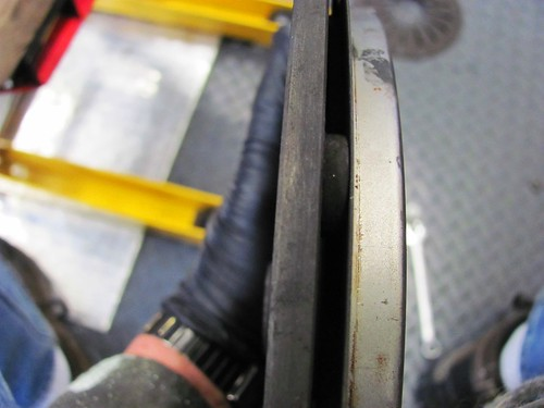 Spacer Between Compression Ring and Pressure Plate