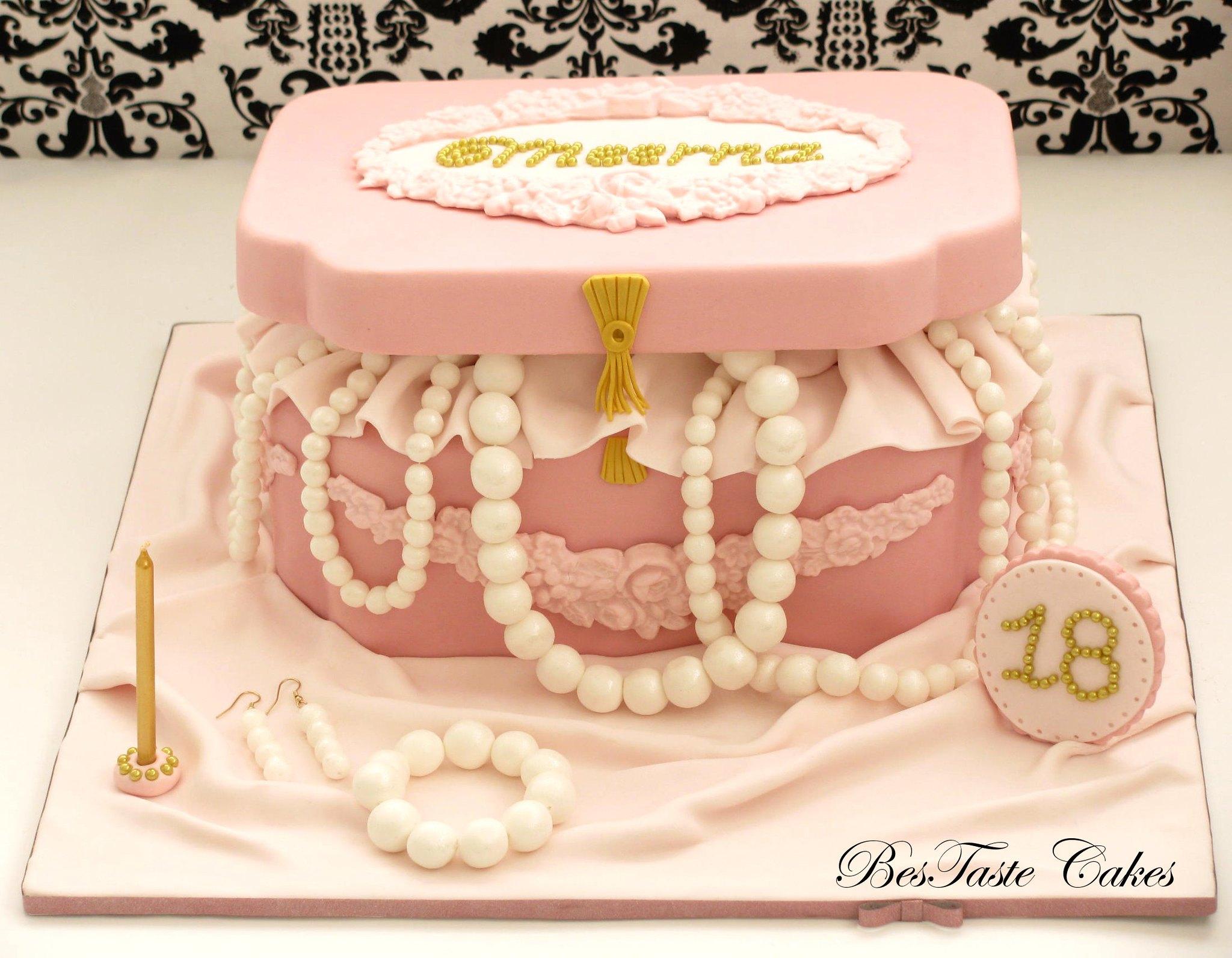 Art I Cake Jewelry Ideas : Jewellery box cake Flickr - Photo Sharing!