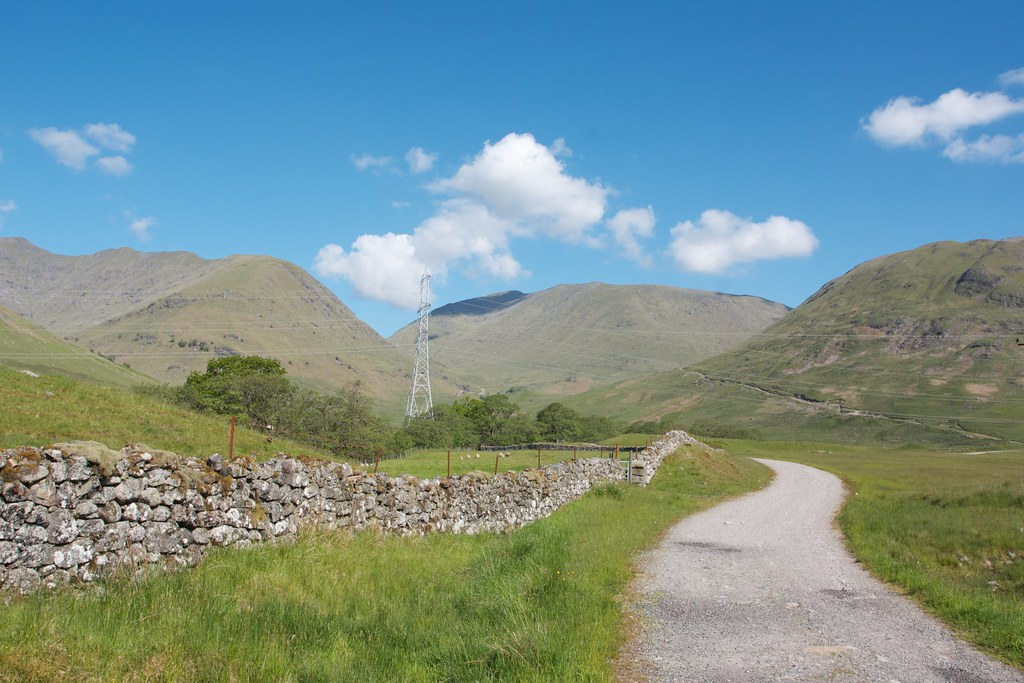 Track to Lairig Noe
