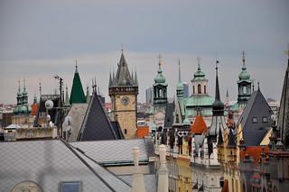 http://hojeconhecemos.blogspot.com.es/2001/07/guia-de-praga.html