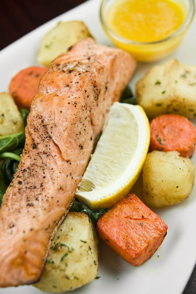 salmon-in-lemon-butter-sauce-white-house-kitchen
