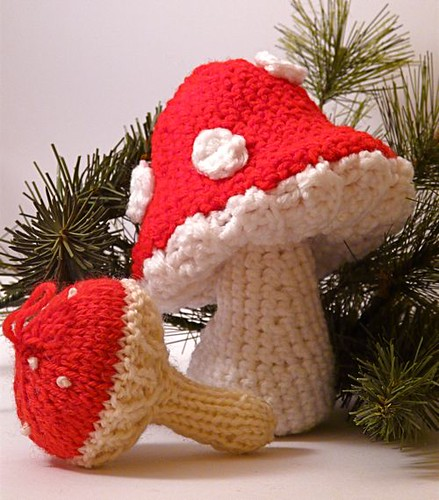 Knitted and crocheted 'shrooms