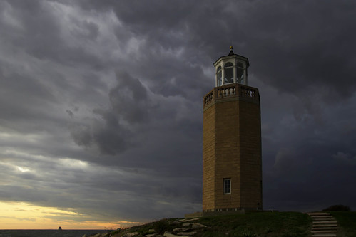 sunset sky lighthouse storm clouds connecticut ct grotonct averypoint uconnaverypoint averypointlighthouse universityofconnecticutataverypoint