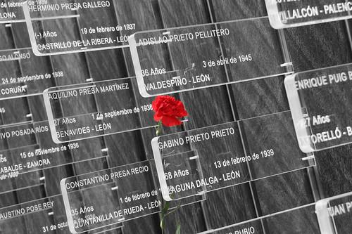 MONUMENTO EN MEMORIA DE LAS VÍCTIMAS DE LA REPRESIÓN FRANQUISTA - LEÓN 12.10.13