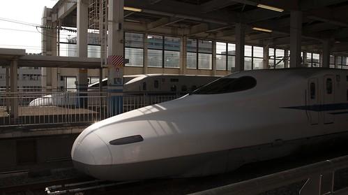 並ぶ新幹線