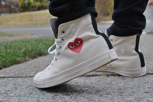 cdg converse little heart
