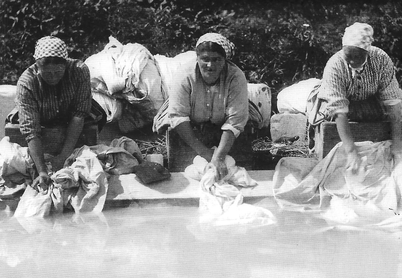 Les premières machines à laver. 11043154955_12f508e0b0_o