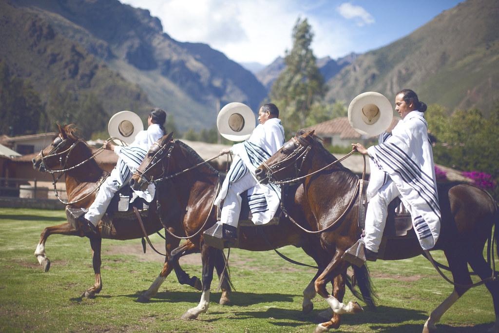 Peruvian cabelleros at Sol y Luna