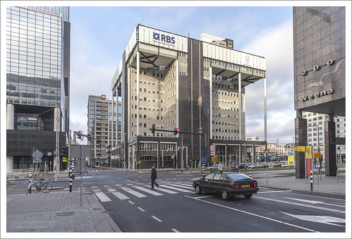 The Royal Bank of Scotland office and a Citroën in Rotterdam