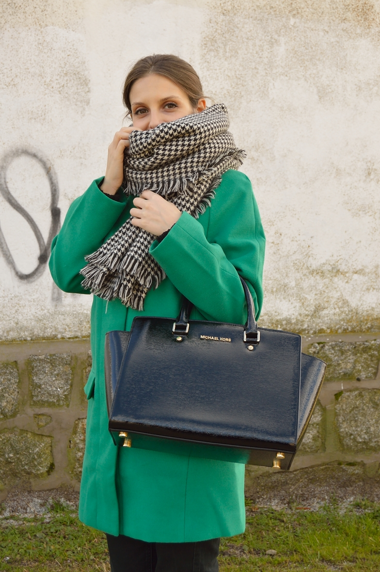 lara-vazquez-madlula-blog-fashion-style-winter-green-coat